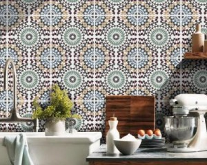 Personalizzare gli ambienti: mosaici in resina e stampa a raggi ultravioletti 2