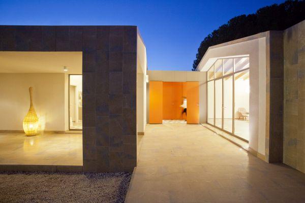Rivestimento in marmo per aAhouse edificio di Caltanisetta