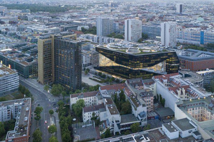 Berlino, la nuova sede di Springer firmata OMA