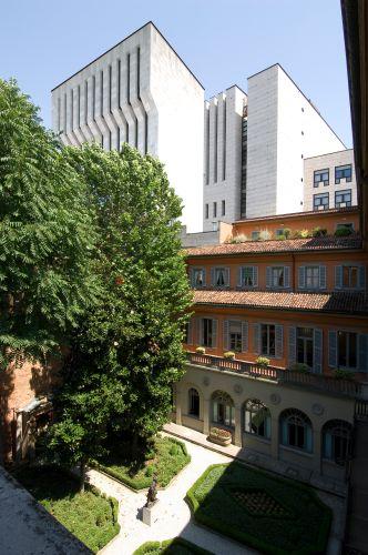 Fotoinserimento dell'ampliamento del teatro alla Scala con la vista dalla sede di Mediobanca