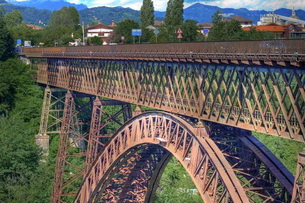 Il ponte ferroviario San Michele a Paderno d'Adda (foto Rfi)