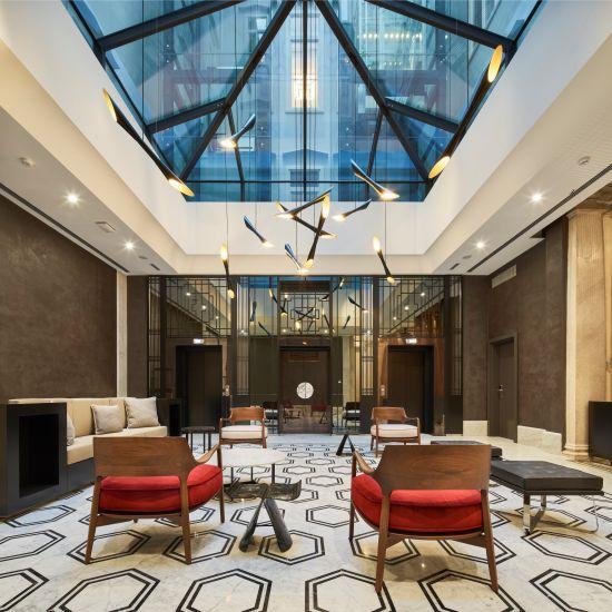 La lobby dell'hotel Double Tree by Hilton di Trieste