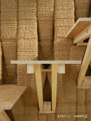 Dettaglio del muro portante realizzato in stampa 3D con scala integrata  (Wasp-Iaac)