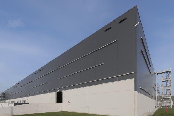 Il nuovo edificio dell'hub di Trecate
