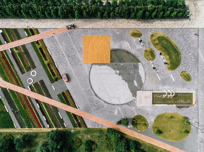 La piazza Azatlyk vista dall'alto (foto, Dmitry Chebanenko)