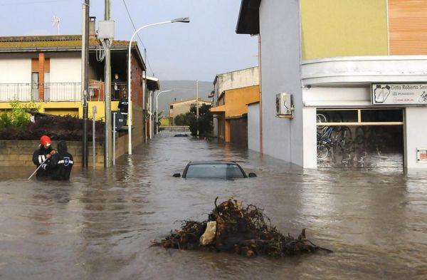 Ciclone Cleopatra si abbatte sulla Sardegna, ottobre 2008