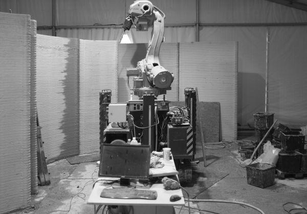 Fase di realizzazione delle pareti in calcestruzzo della 3D Housing 05