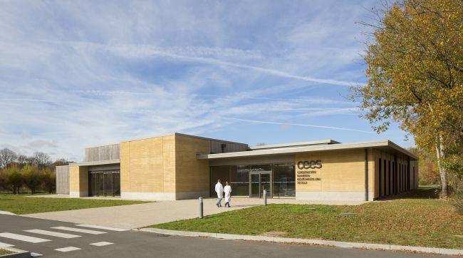 Per la sede della Conservatoire des sols à Orléans, dello studio Design & Architecture, sono state utilizzate terre da scavo