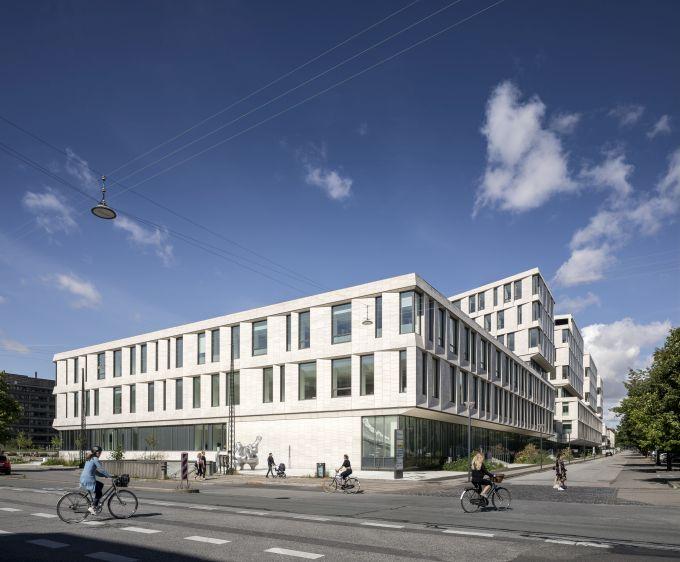 Le facciate dell'ospedale di Copenhagen sono in pietra naturale