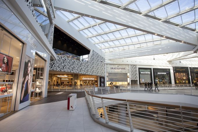 Interno del Maximo Shopping Centre di Roma