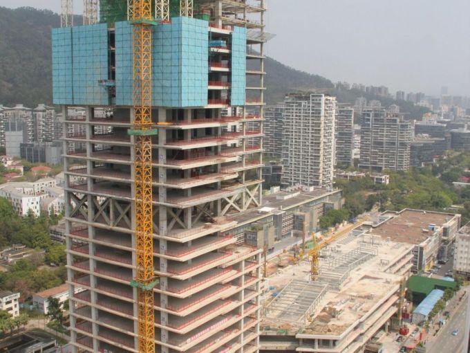La fase di costruzione della torre Prince Palace di Shenzhen