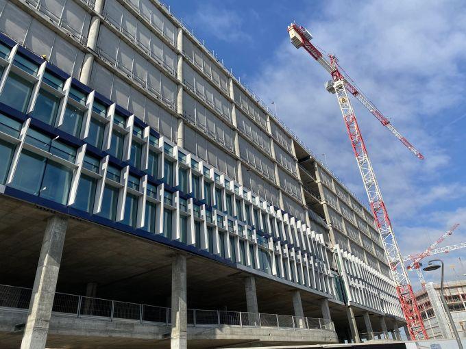 Milano Spark One: Installazione della facciata a cellule