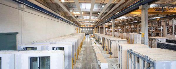Il reparto di produzione dei pannelli bidimensionali nello stabilimento WBFactory