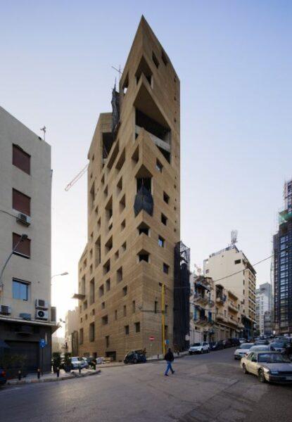 """un'opera della 17 edizione della Biennale Architettura 2021 Lina Ghotmeh — Architecture, """"Stone Garden North Façade"""