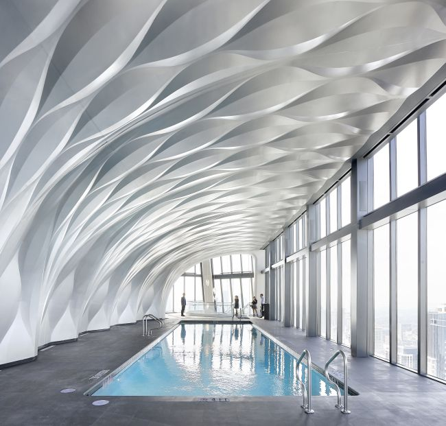 One Thousand Museum: La piscina sopra la hall d'ingresso