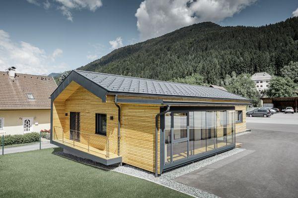 Per il nuovo spazio aziendale Faltheiner sceglie PREFA come materiale di alta gamma per le coperture.