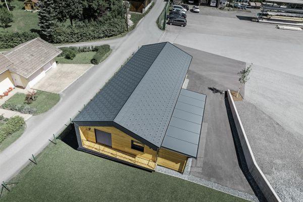 Per il nuovo spazio aziendale Faltheiner sceglie PREFA come materiale di alta gamma per le coperture