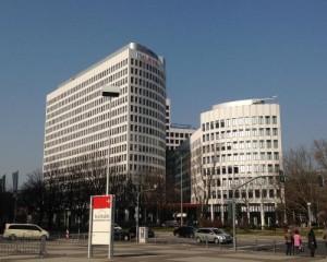 """Prima """"Closed cavity Facade"""" con finestre apribili in Germania"""