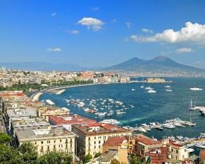 Riqualificazione e restauri per richiamare i turisti a Napoli 1