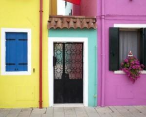 Prezzi in calo per immobili turistici mare, lago e montagna