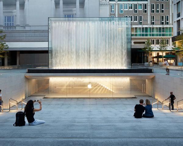 L'Apple store cambia il volto di Piazza Liberty a Milano