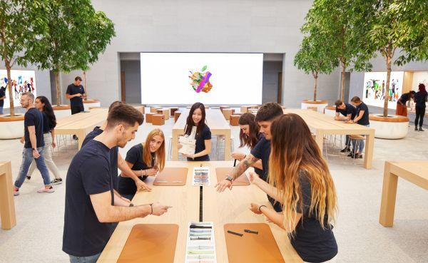 Lo  store Apple di piazza Liberty ospiterà eventi aperti al pubblico e workshop