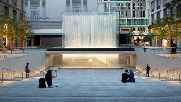 Inaugurato il nuovo Apple Store di Piazza Liberty a Milano