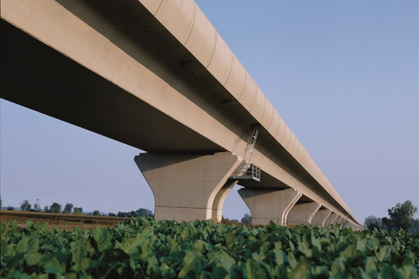 Ponte realizzato con Architecturalbeton
