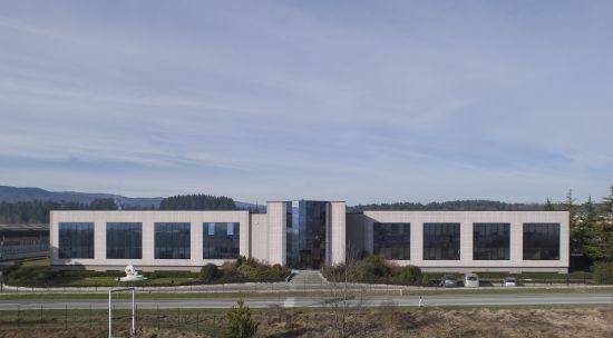 la sede di Baraclit, azienda che produce prefabbricati in cemento