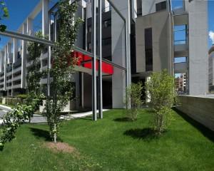 Per Residenze Parco Vittoria, 5000 porte Bertolotto
