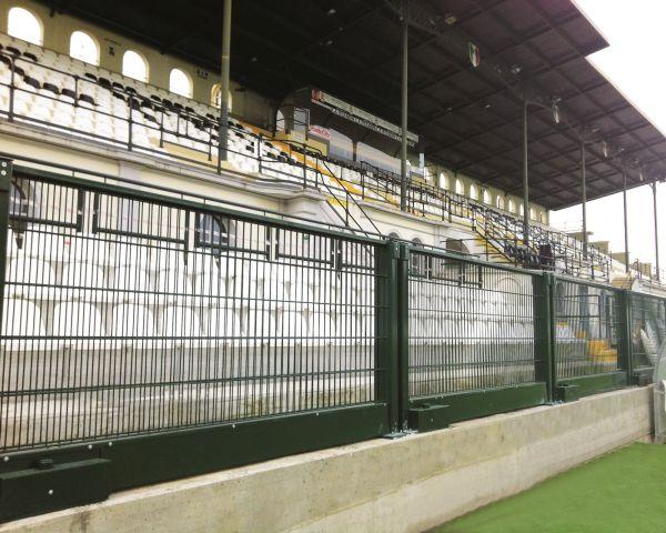 Betafence Parapetto elevabile in acciaio, Stadio Vercelli