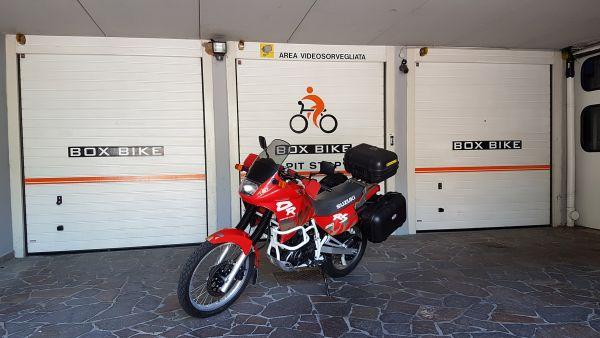 "Portoni dei garage hormann nell'albergo  ""Alla Nave"" a Nave San Felice, vicino a Trento"