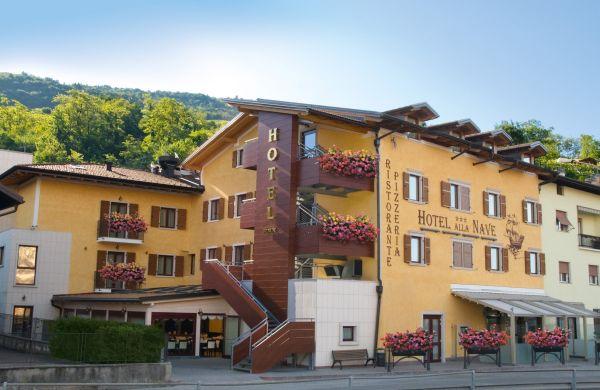 "Hotel Ristorante ""Alla Nave"" a Nave San Felice, vicino a Trento"