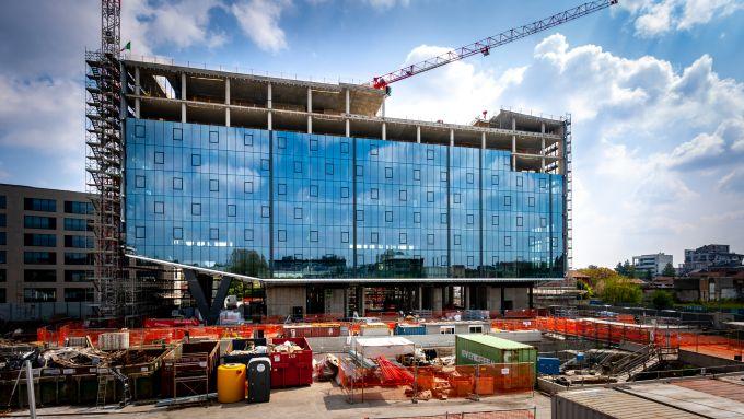 Building D di Covivio: La posa delle facciate vetrate