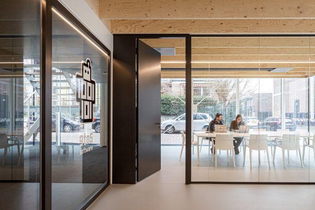 Building D(emountable), viste interna legno e vetro