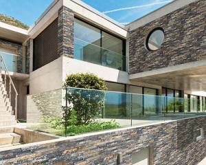 BAGA Stone: rivestimento a listelli in pietra naturale