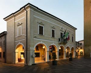 Una nuova luce per la sede comunale di Castel Goffredo, con PERFOMANCE iN LIGHTING