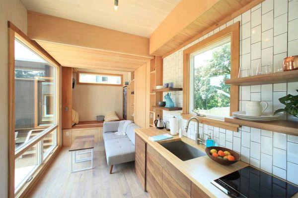 Interni della tiny house progettata da Cubist Engineering