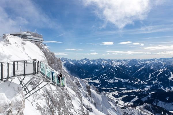 Ponte di vetro Dachstein Skywalk, in Austria