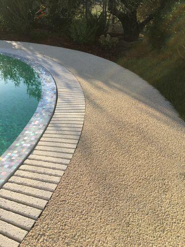 DECORSTONE: superfici continue in pietra naturale e resina per aree wellness
