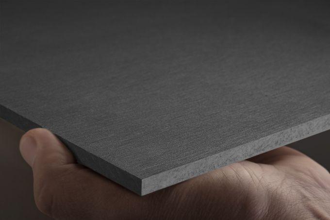 Equitone, linea di rivestimenti in fibrocemento ecologico nella nuova tonalità grigio scuro TE85 Grafite