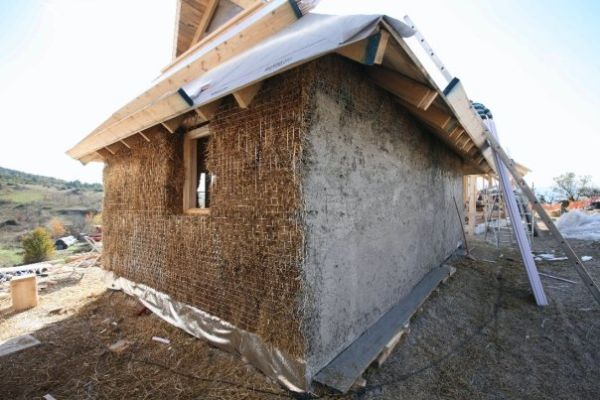 EVA Ecovillaggio autocostruito