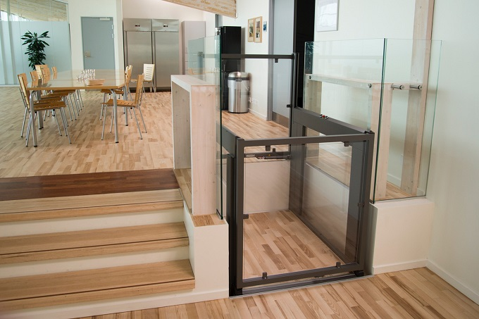Elevatore verticale