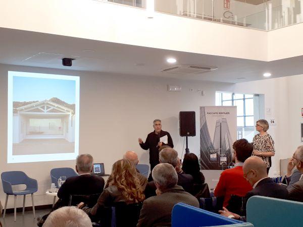Il Prof. Alfonso Acocella autore del libro Il Tetto, Elemento di architettura