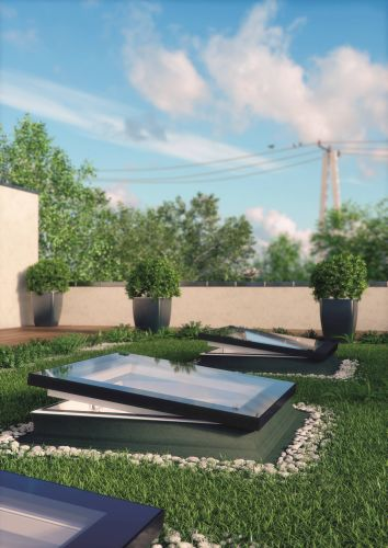 Il Modello F di Fakro è adatto anche per montaggio su un tetto verde