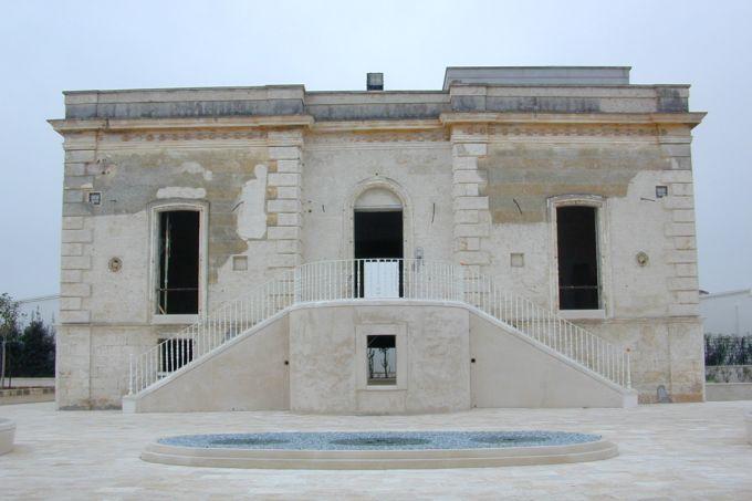 Fassa per il restauro storico di Villa Morelli a Monopoli. La Villa prima dell'intervento