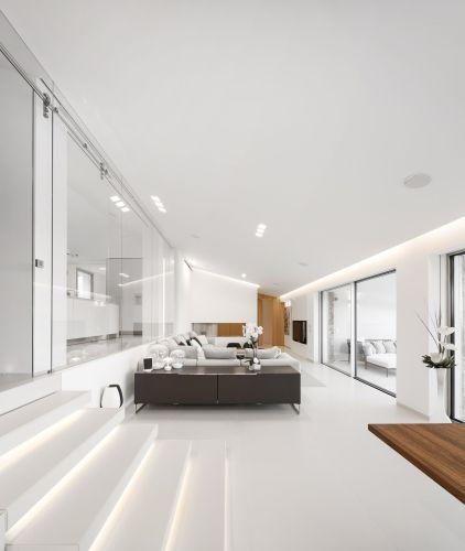 Rivestimenti interni di una villa in Sardegna con Bianco Crema Lapitec in finitura Satin