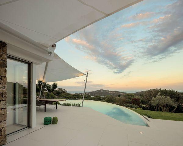 Le soluzioni Fila per proteggere le superfici di una villa di lusso in Sardegna