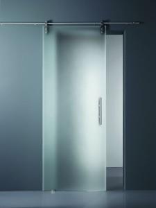 Porta scorrevole in vetro temperato. Vetro: Ecosat Velo, 10 mm, extrachiaro.