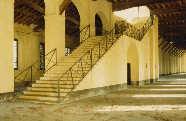Cremona, Magazzino Carri. Scala di accesso al piano superiore